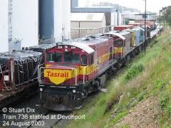 Train 736 stabled at Devonport on Sunday 24 August 2003 with locomotives DQ2008-DQ2009-QR2056-DQ2012