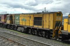 ZA2118 waits for departure from Hobart, December 2004