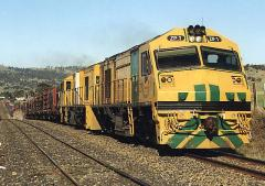 ZP1 and ZR2 on a southbound paper train at Tea Tree. October 1997