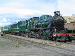 Tasmanian Transport Museum locomotive M5 on a charter at Colebrook, July 2002