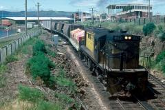 867 leads No.10 goods away from Hobart yard, November 1984